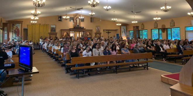 قداس احتفالي لمناسبة عيد السيدة العذراء في لافال كندا