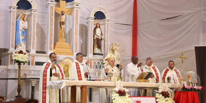 بشري استقبلت ذخائر القديس البابا مار يوحنا بولس الثاني والقديسة فوستينا والطوباوي سوبوتشكو