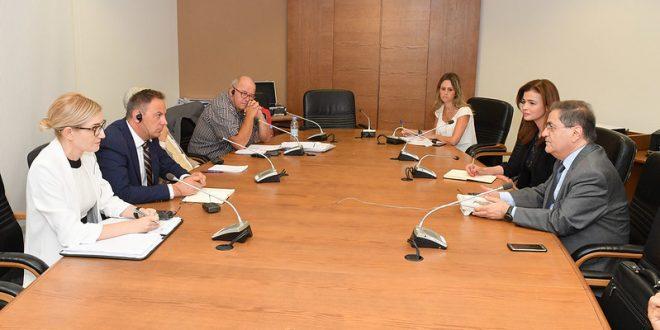 رئيس لجنة حقوق الانسان بحث مع خبراء في إصلاح السجون