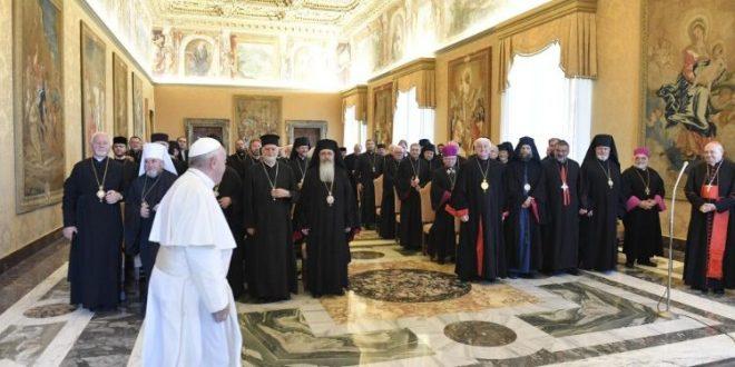 البابا فرنسيس يستقبل الأساقفة الشرقيين الكاثوليك في أوروبا في ختام لقائهم السنوي