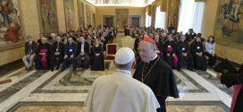 البابا فرنسيس يستقبل المشاركين في مؤتمر دولي حول الكنيسة والموسيقى