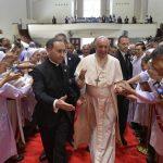 البابا فرنسيس يلتقي الكهنة والرهبان والمكرسين والمكرسات والإكليريكيين ومعلمي التعليم المسيحي في تايلاند