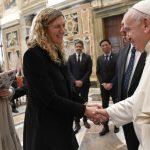 البابا فرنسيس يستقبل المشاركين في لقاء ينظّمه معهد الحوار بين الأديان في الأرجنتين