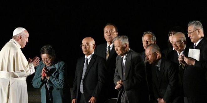البابا فرنسيس في لقاء من أجل السلام في هيروشيما يتحدث عن لا أخلاقية استخدام الأسلحة النووية وحيازتها