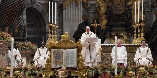 البابا يحتفل بالقداس في عيد الدنح ويتحدث عن أهمية السجود والعبادة في حياة المسيحي