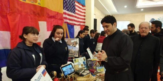معرض للمركزية جونيه في المهرجان العالمي للغة الأم